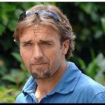 ÍDOLO: Por los intensos dolores, Batistuta ya no puede caminar