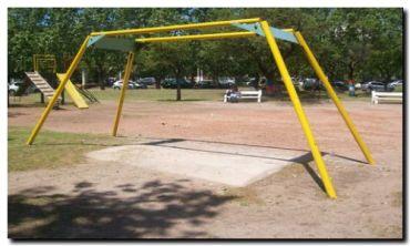 NECOCHEA: Piden el arreglo de los juegos en las plazas