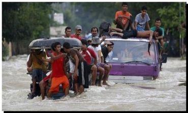 FILIPINAS: Al menos 22 muertos y casi 300.000 personas afectadas por el tifón Koppu