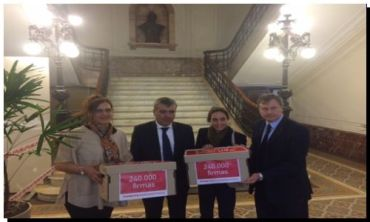 ELECCIONES: Duclós recibió 240.000 firmas por la boleta única electrónica