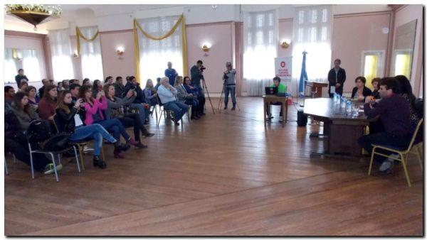Ante una gran concurrencia, se presentó la Tecnicatura en Turismo en el municipio