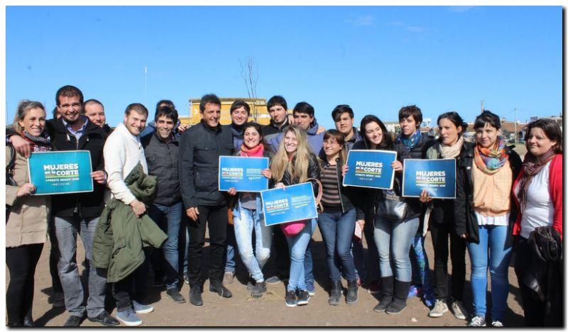 POLÍTICA: López y Massa, junto a más de 200 jóvenes de La Renovadora en Necochea