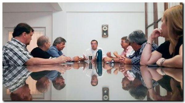 GREMIALES: Los casineros se reunieron con el obispo Mestre