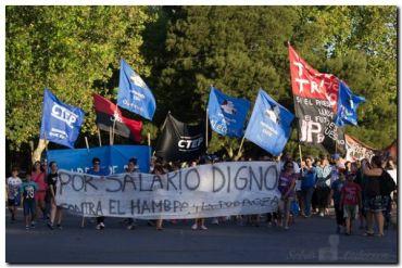 POLÍTICA: Marcha de los movimientos sociales en Necochea y en todo el país