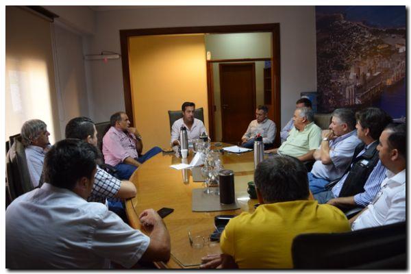 PUERTO QUEQUÉN: Rojas se reunió con los Gremios Portuarios