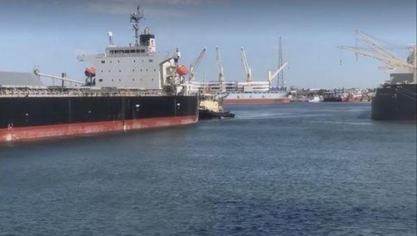 PUERTO QUEQUÉN: La exportación continúa a buen ritmo