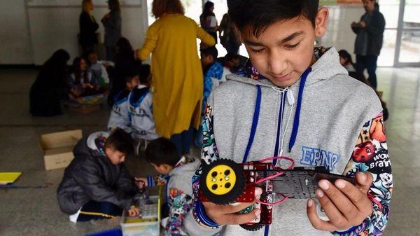 EDUCACIÓN: Escuelas primarias de Necochea reciben robótica