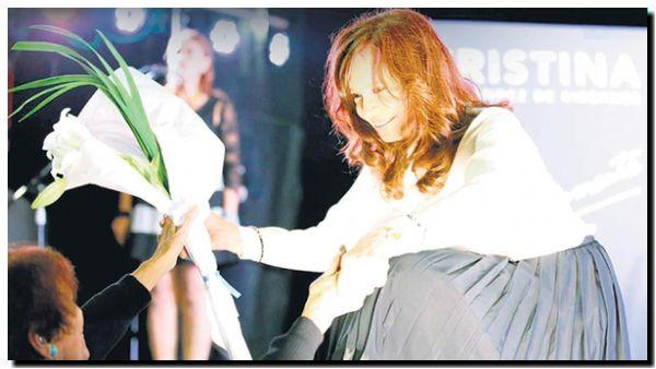 POLÍTICA: Cristina. Récord en ventas y en audiencia televisiva
