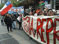 Protestaron frente al Consulado de Chile contra la represión en el país vecino