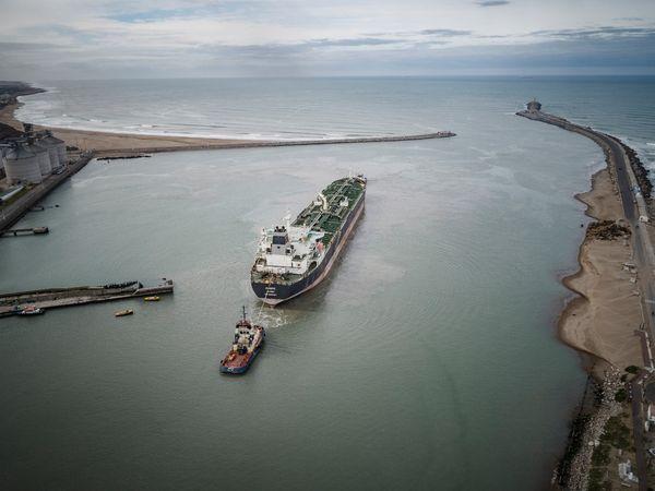 Costa les mete presión a los consorcios y no descarta un nueva ley de Puertos