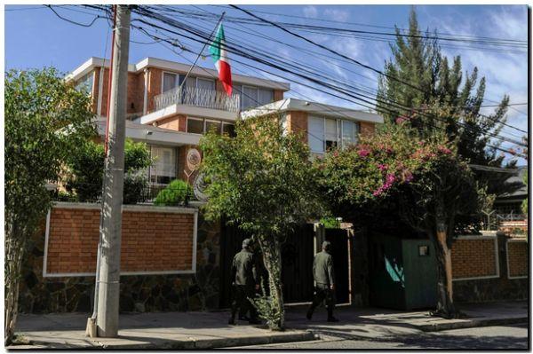 Bolivia expulsa a diplomáticos de México y España