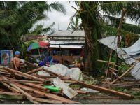 El tifón Phanfone dejó al menos 16 muertos y cientos de turistas atrapados en Filipinas