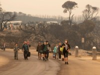 Decenas de miles de personas evacúan ciudades del sudeste de Australia