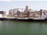 Puerto Quequén consigue récord de toneladas y de calado de salida