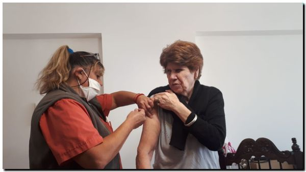 NECOCHEA: Continúa la campaña de vacunación antigripal de PAMI 2020