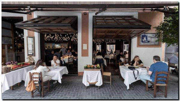ESPAÑA: Trata de restringir el ocio nocturno y las reuniones