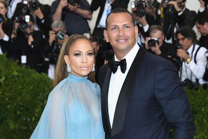 The boyfriend of Jennifer Lopez, shows the first woman in his life: who is it?