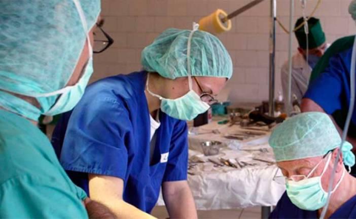 Médico cubano contagiado de ébola superó el virus