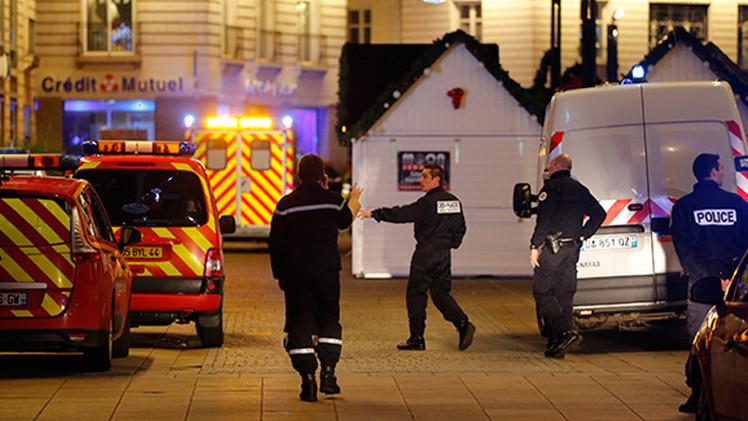Diez heridos tras el choque de un vehículo contra un mercado navideño en Francia