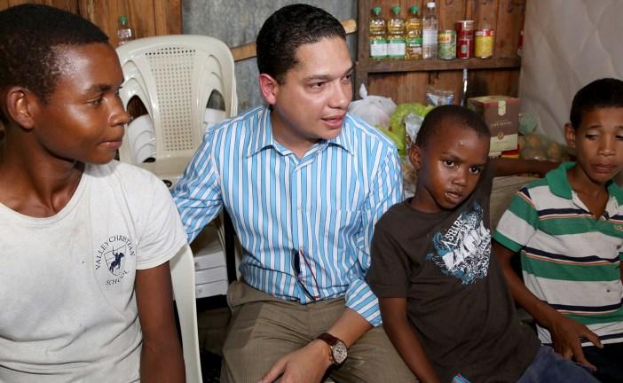 Huerfanitos reciben solidaridad gubernamental; el mayor tendrá empleo digno