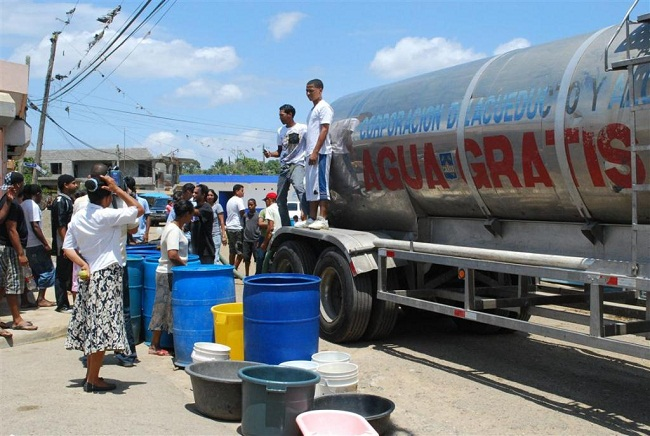 Residentes del Gran Santo Domingo se quejan de racionalización de agua de la CAASD
