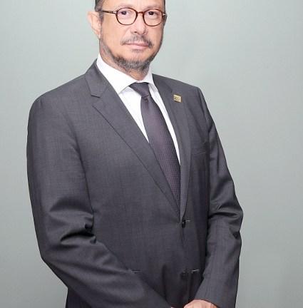 Ministro de Cultura niega pretenda sustituir a los miembros del Coro Nacional