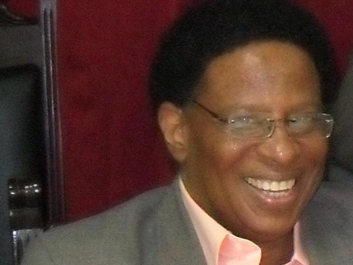 Roberto Marcallé Abreu es Premio Nacional de Literatura 2015