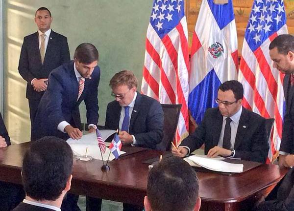 Estados Unidos y República Dominicana firman nuevo acuerdo de extradicción