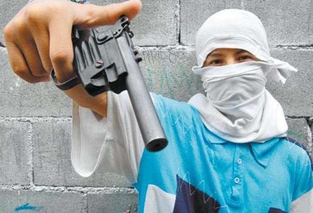 """La confesión de un sicario en México: """"Encargué que mataran a los estudiantes y destruyeran todo"""""""
