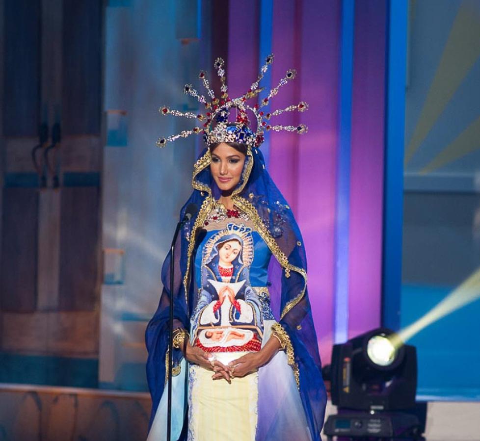 El traje típico de Miss Universo RD figura entre los 15 peores del certamen