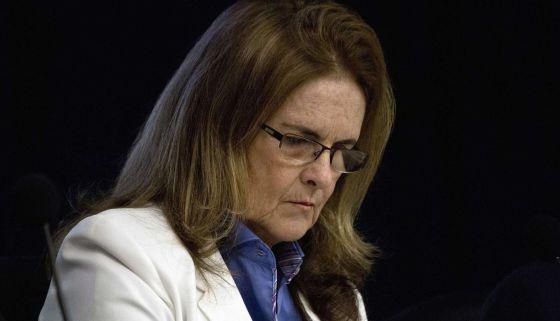 Renuncia presidenta de Petrobas en Brasil por corrupción