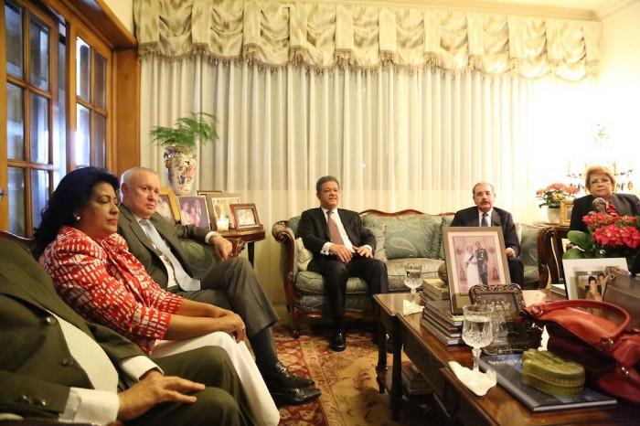 Danilo y CP del PLD respaldan al ex presidente Fernández