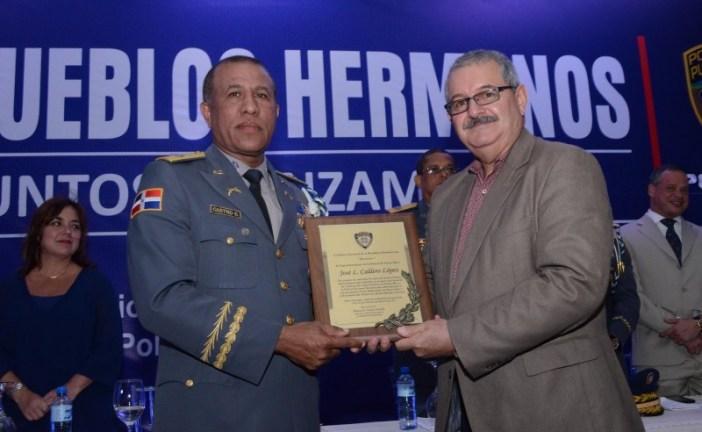 Puerto Rico dona 500 pistolas a la República Dominicana