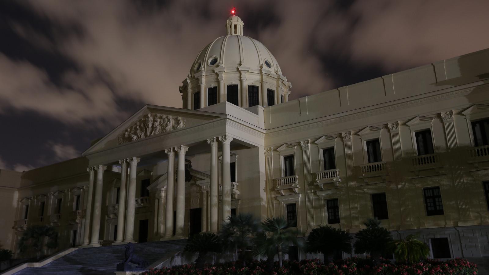 La Hora del Planeta dejó a oscuras el Palacio Nacional