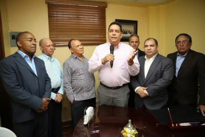 Comerciantes y empresarios apoyan la reelección de Danilo