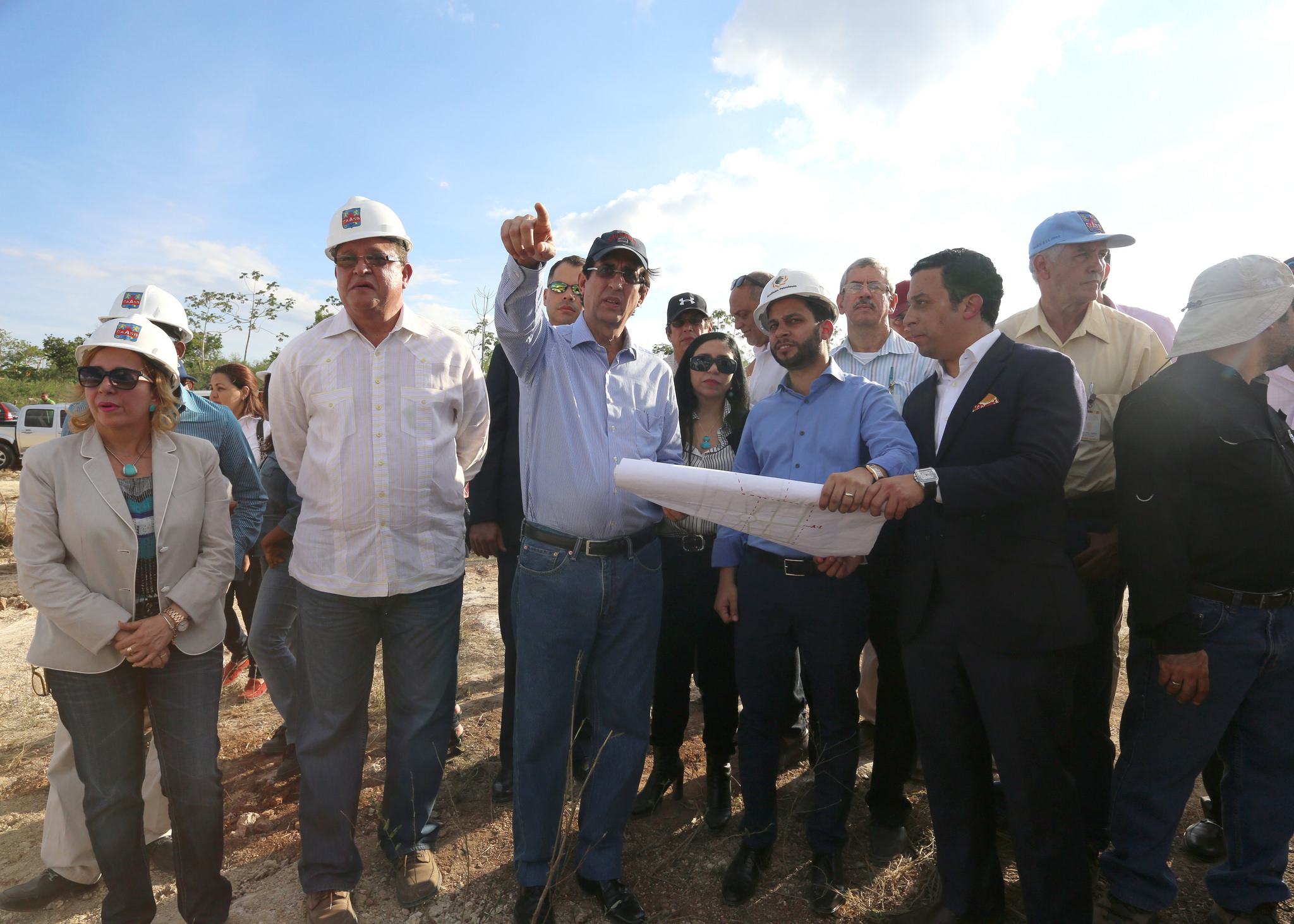 Seis empresas inician construcción en Ciudad Juan Bosch
