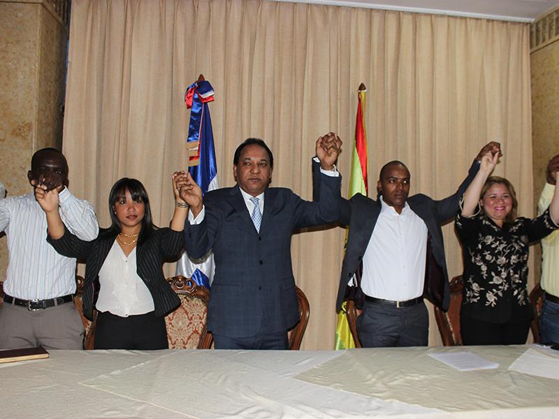 Partido Cívico Renovador juramenta cientos de jóvenes