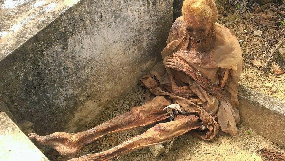 Hallan el cuerpo momificado de una anciana en Santiago