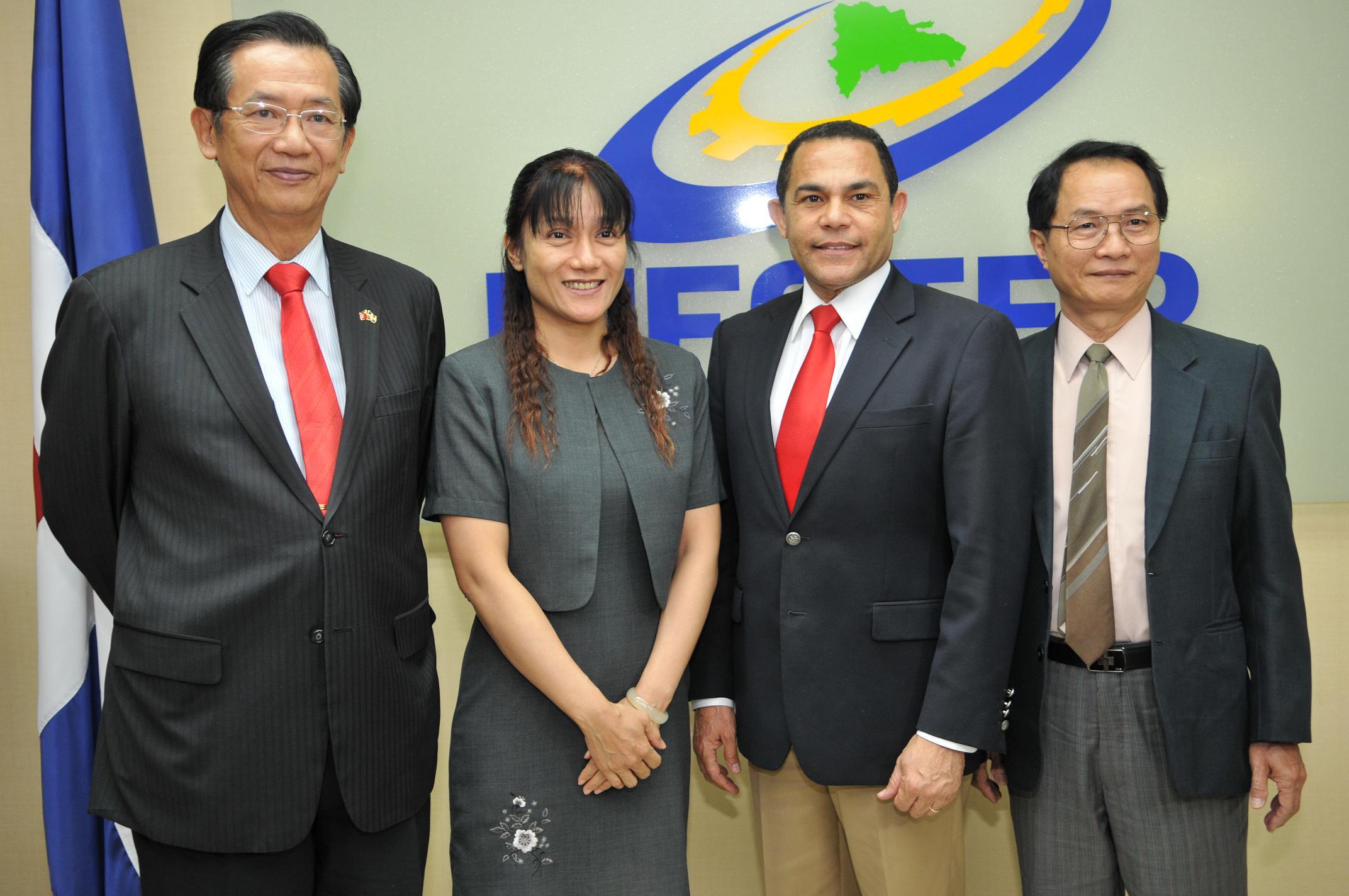 INFOTEP recibe a expertos taiwaneses en diseño y producción de calzados