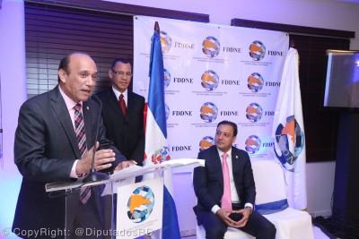 Inauguran fundación para defender a los dominicanos en Estados Unidos