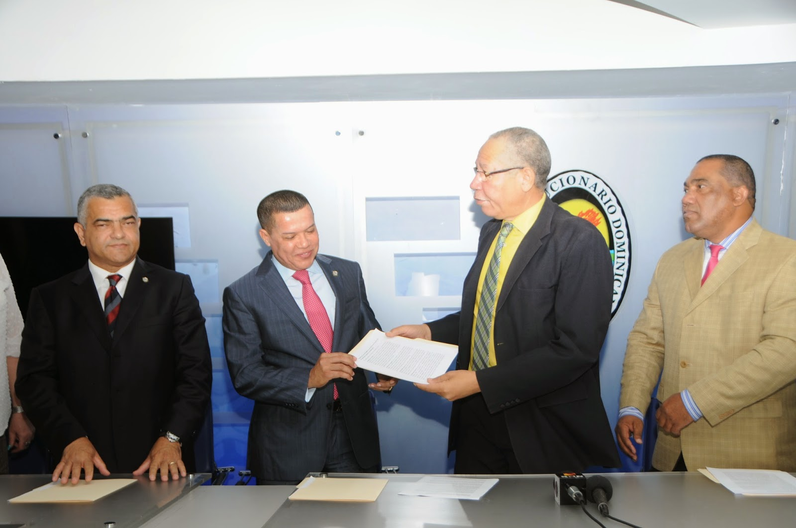 PRD busca aprobar ley para que no sumen votos de distritos municipales a los de municipios