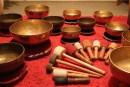 Casa Holos organiza una meditación grupal con los Cuencos Tibetanos