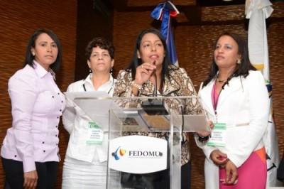 Designan nueva directora ejecutiva de FEDOMU