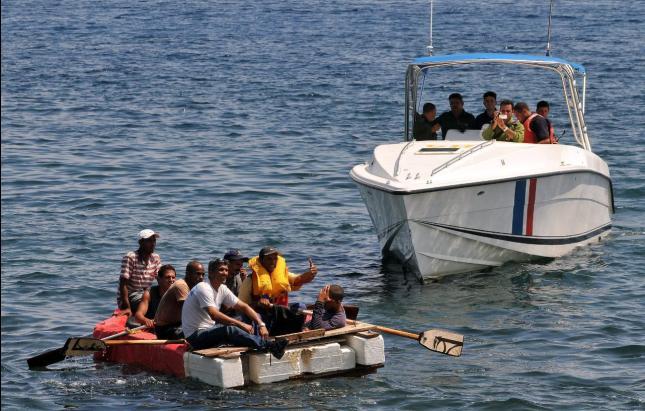 Armada apresa  a 46 ilegales en aguas del Océano Atlántico