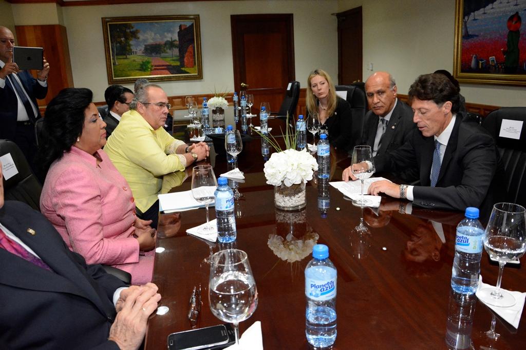 Lizardo aboga por restablecimiento de la embajada de Italia en RD