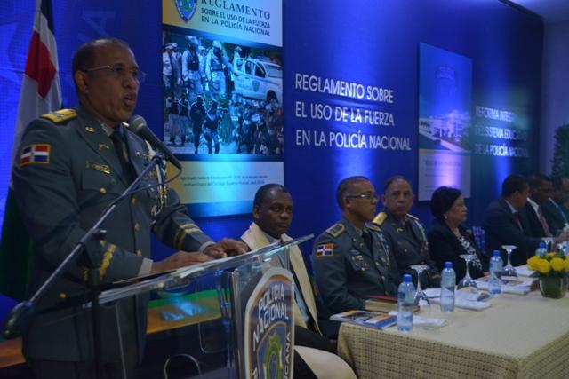 Policía pone en circulación Reglamento sobre uso de la Fuerza y el proyecto de Reforma Integral del Sistema Educativo policial