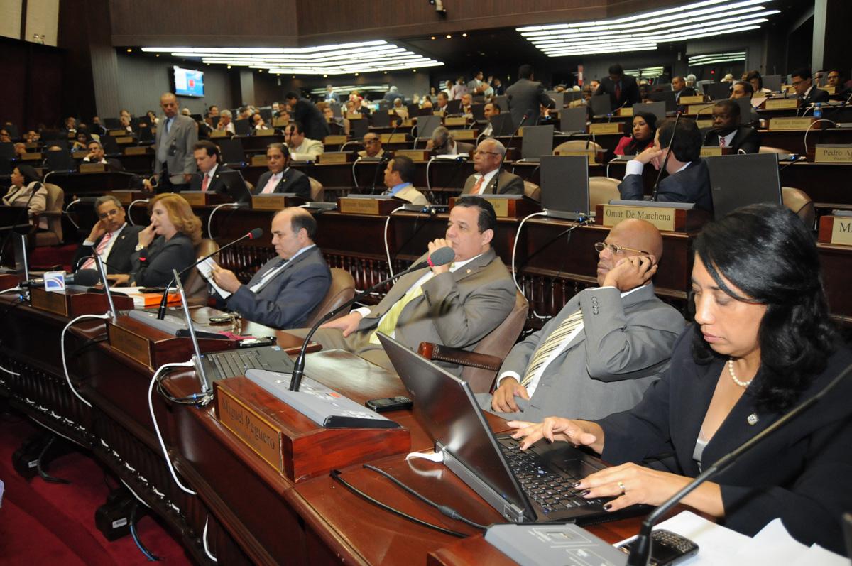 La Cámara de Diputados espera propuestas del CONEP y ASONAHORES