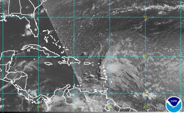 Vaguada y onda tropical traerán aguaceros en la tarde de este lunes