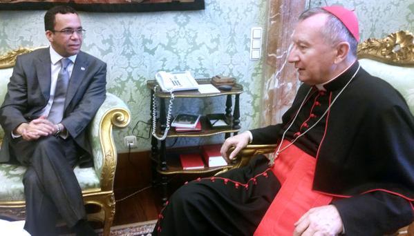 El canciller Navarro explica al Vaticano los alcances del PNRE