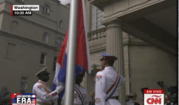 Izan la bandera cubana en Washington